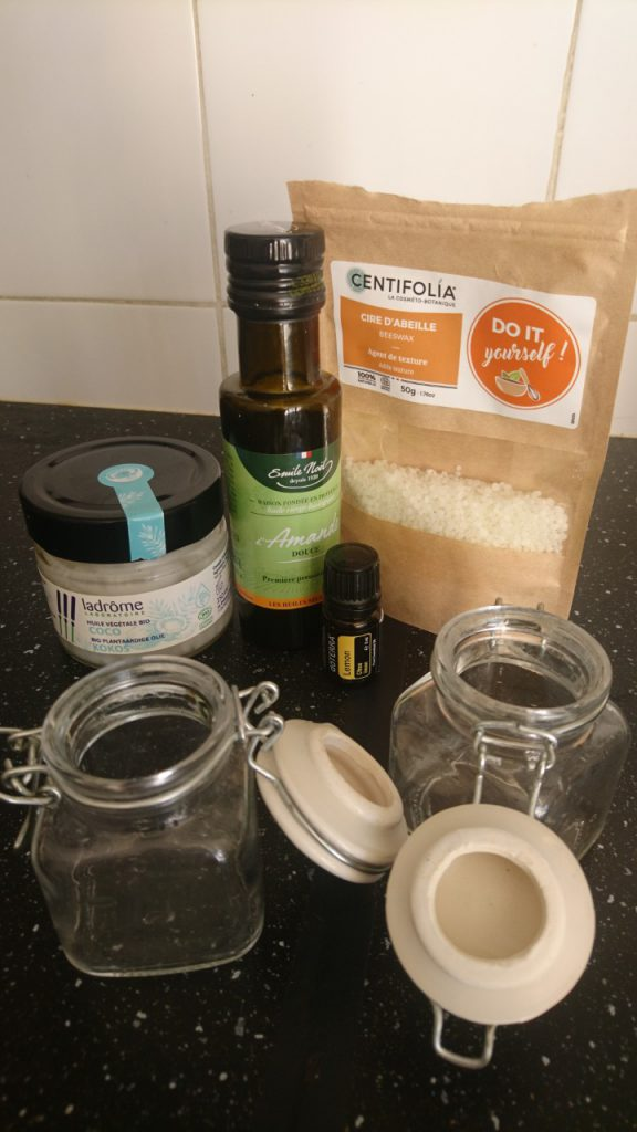 Coconut and almond oil cream ingredients